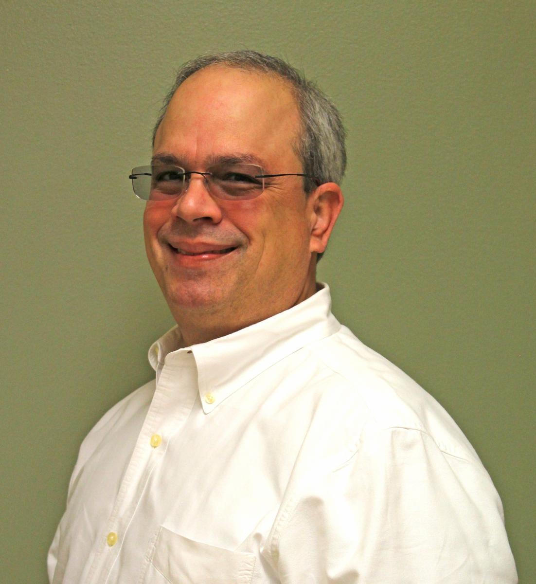 Dr Edgar Betancourt